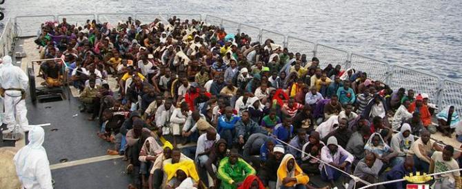 Migranti, clamoroso schiaffo a Renzi: l'Ue fa sapere che già a dicembre…