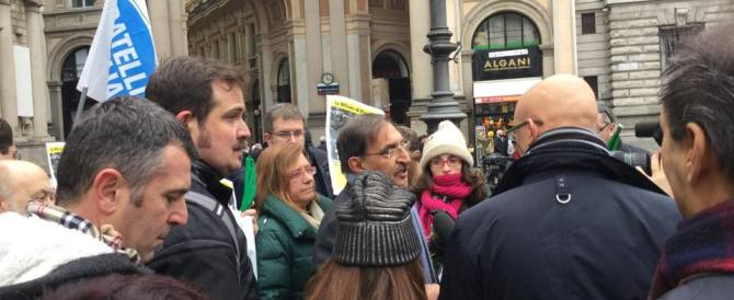 """Fratelli d'Italia: """"Ecco la nostra Befana per Pisapia, il carbone"""""""
