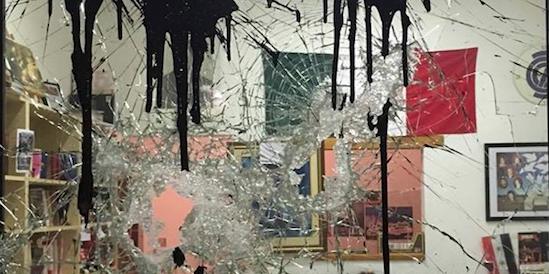 Devastata la libreria di CasaPound a Firenze: il Pd voleva chiuderla
