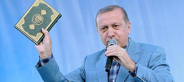 Migranti, si riapre la rotta turca: così Erdogan tiene sotto ricatto l'Europa
