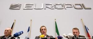 Europol: in Europa 34mila potenziali terroristi. Meloni: «Complice chi tace»