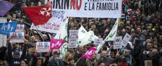 La CEI chiede l'intervento di Mattarella per bloccare il DDL Cirinnà