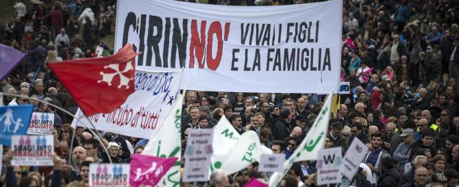 """Family Day, già un milione in piazza e gridano: «Cirinnò"""""""