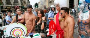 Ecco l'ultima: «I telegiornali italiani parlano poco di gay, trans e lesbiche»