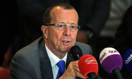 """Libia, formato il governo. Ministri """"in equilibrio"""" tra Tripoli e Tobruk"""