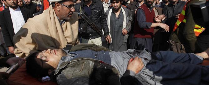 Pakistan, attacco terroristico all'università Bacha Khan. Decine di morti