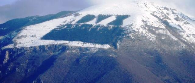 Dux sulla neve: arresteranno il monte Giano per apologia di fascismo?