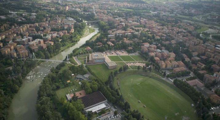 Niente croce al cimitero di Casalecchio. FdI: «Il sindaco svende le radici»