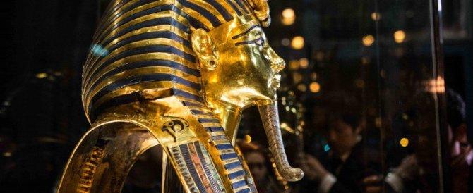Egitto: processo agli addetti al Museo, rincollarono la barba di Tutankhamon