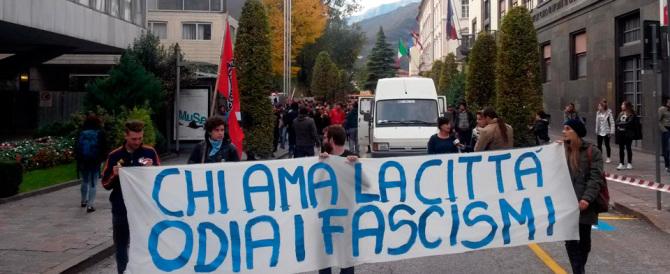 Sceneggiata del Pd e dell'Anpi contro la destra in piazza: «Fascisti pericolosi»