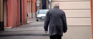 Spintonò un agente: arrestato a 84 anni. Ma chi delinque è a piede libero
