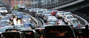 Costo Rc auto abnorme per il Sud. A Napoli più di 1000 euro, ad Aosta 310