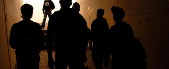 Non solo Napoli, prima lo insultano, poi gli sparano: baby gang in azione a Ostia