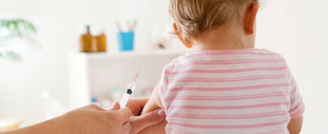 I compagni non sono vaccinati: la bimba malata sarà trasferita in un'altra scuola