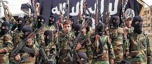 """L'Isis in difficoltà: la sua """"capitale"""" Raqqa difesa da bambini-soldato"""