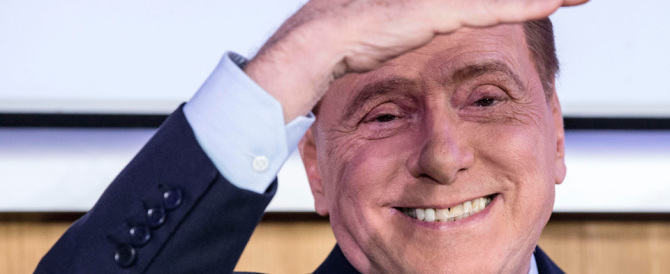 Berlusconi: «Renzi mente: se vince il No non ci sarà nessun caos»