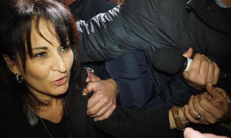 """Grillo """"dimissiona"""" il sindaco di Quarto. Il M5S scopre la questione morale"""
