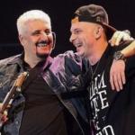 Clementino con Pino Daniele; a un anno dalla morte, il rapper ha ricordato così il cantante napoletano. (Foto Facebook)