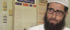 Colonia, la follia dell'imam: «Colpa delle donne che usano il profumo»