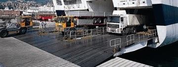 Terrorismo, tre libici affiliati all'Isis arrestati al porto di Genova