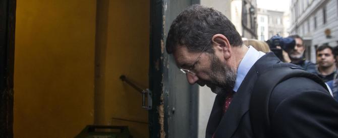 Rieccolo: Marino rinnova l'iscrizione al Pd e lancia la sfida a Giachetti