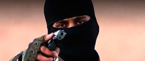 «Credete in Allah?»: pistola in pugno, immigrati fanno i bulli con 5 ragazzi