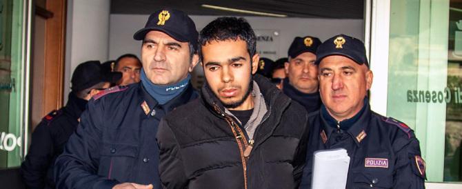 """Ambulante marocchino arrestato a Cosenza. """"Pronto a far strage in Italia"""""""