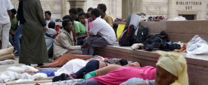 """""""350 euro alle famiglie che ospitano rifugiati"""". Fratelli d'Italia contro Pisapia"""