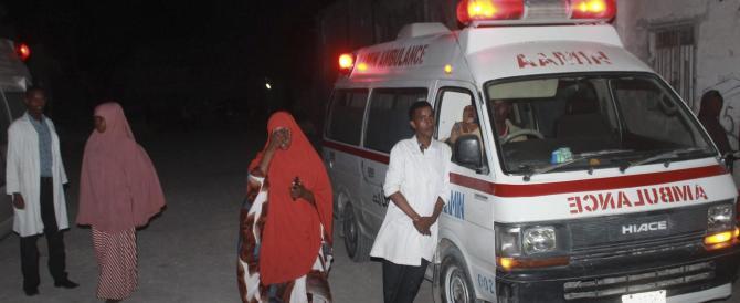 Terroristi islamici in azione anche in Somalia: assaltato ristorante, tre morti