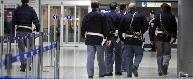 Passaporti falsi e foto di guerra sui cellulari: due siriani fermati a Genova