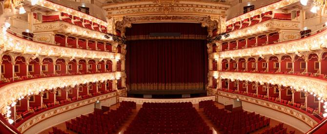 Al Teatro Petruzzelli vanno in scena le tangenti: 5 arresti per corruzione
