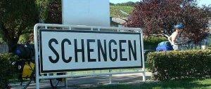 Schengen addio? L'ipotesi al vaglio dell'Ue. L'Italia rischia l'invasione