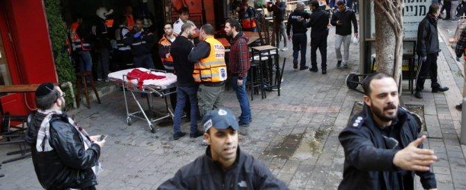 Tel Aviv, il killer del pub ucciso in uno scontro a fuoco: era in una moschea