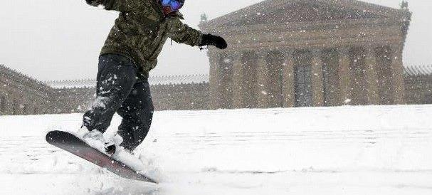 Bufera Jonas: a Philadelphia la scala di Rocky è una pista di sci (VIDEO)