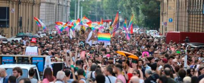 Contro il Family day i radicali si inventano un Family gay a Torino