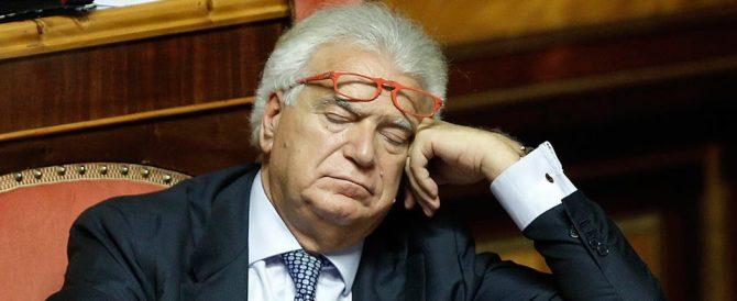 La strana sofferenza di Verdini: giura fedeltà a Renzi e rimpiange Berlusconi