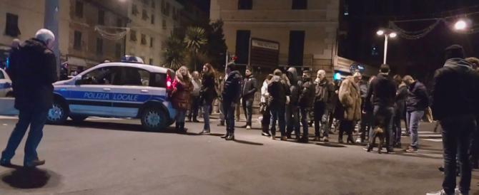 Passante ucciso da immigrato ubriaco: scoppia la protesta a Genova