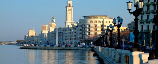 """Bari, il sindaco sul """"web"""": quel locale sporca. E arrivano le scuse del gestore"""
