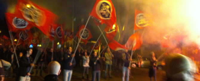 Renzi ironizza su CasaPound: «Anche loro temono la deriva autoritaria»