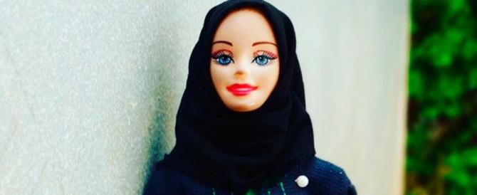 Ci mancava solo la Barbie musulmana. E così qualcuno le ha messo il velo