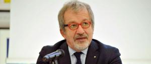 La sinistra all'attacco di Maroni: «Dimissioni».  Ma il centrodestra dice no