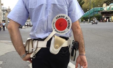 Carcere per l'ottantenne che protestò contro i vigili: la rabbia del web (VIDEO)