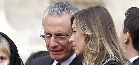 """Banca Etruria dichiarata """"insolvente"""", ora il papà della Boschi rischia grosso"""