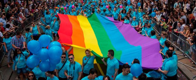 I gay francesi scelgono Marine Le Pen. La gauche inveisce: siete ingrati!