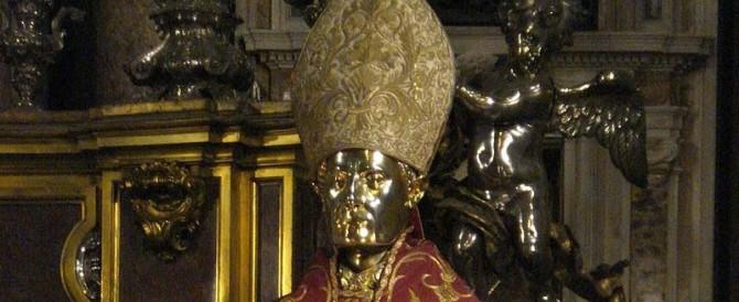 Napoli, furto sacrilego in Duomo: rubate le offerte a San Gennaro
