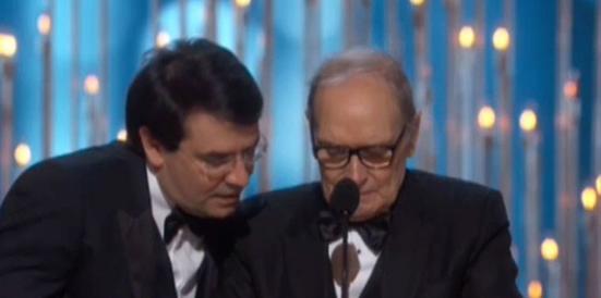 """Ennio Morricone ringrazia l'Academy in italiano: """"Buonasera signori"""" (Video)"""