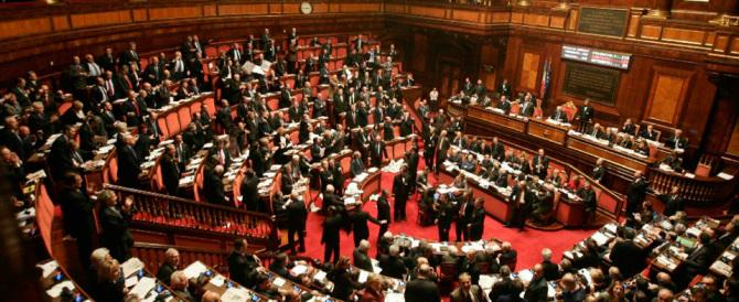"""Dal Senato fiducia a Gentiloni. Ma per il governo si apre il """"fronte Verdini"""""""
