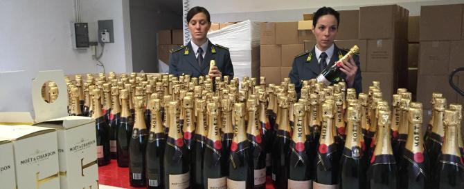 Champagne fasullo sequestrato dalla Gdf a Padova. Una truffa da 1,8 ml