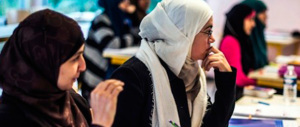 Ragazze musulmane via da scuola per imparare ad essere buone mogli