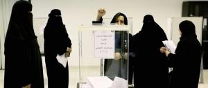 Elette, ma cacciate dai consigli: così l'Arabia Saudita prende in giro le donne